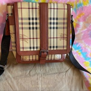 Burberry Messenger bag - Authentic!